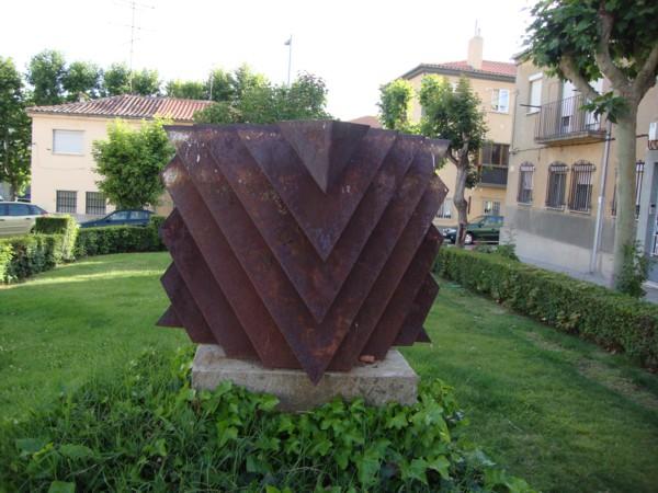 Patrimonio popular esculturas y monumentos en calles y for Esculturas en jardines