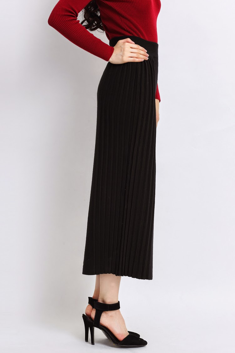 Side Pleated Wool Knit Long Pencil Skirt