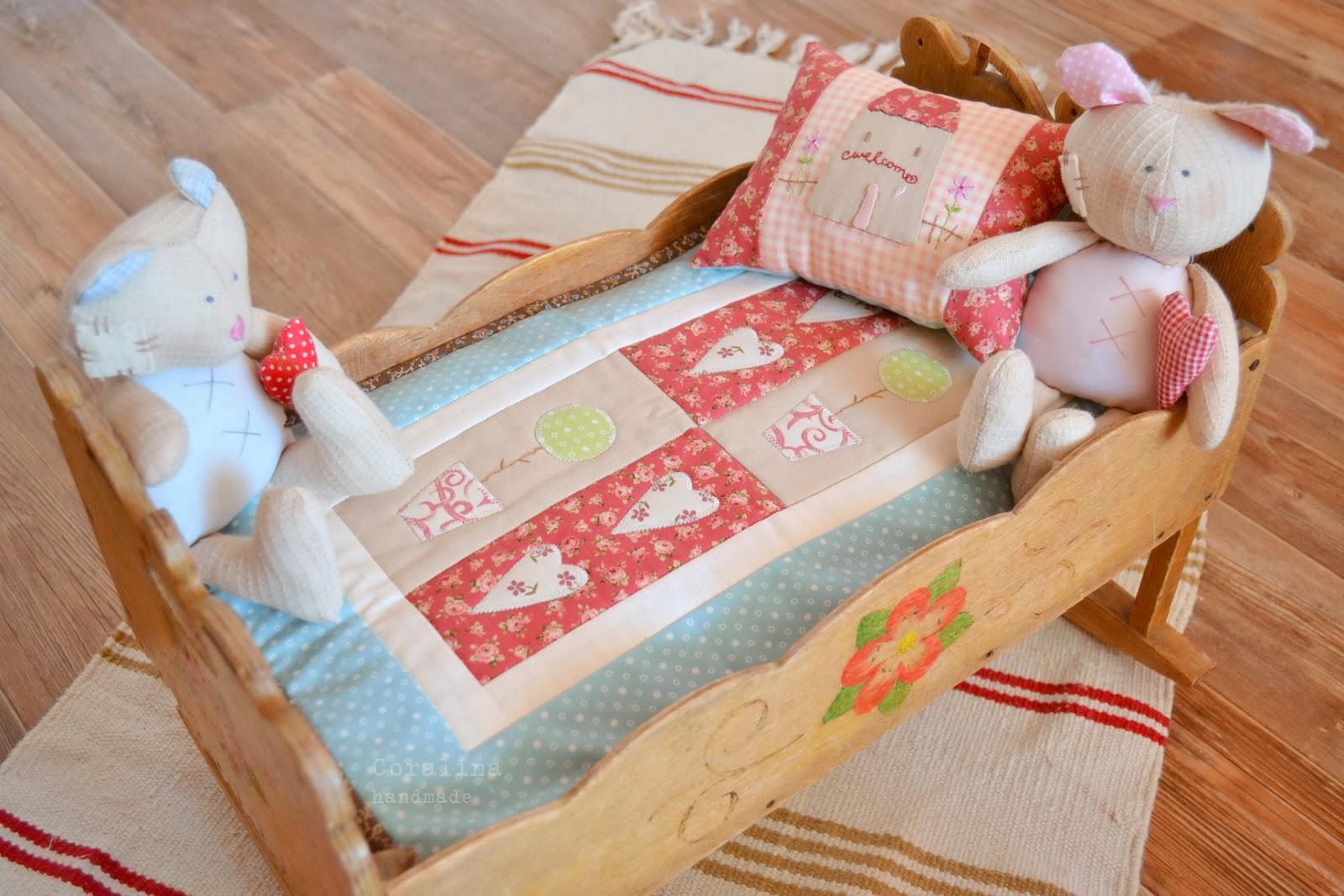 Как сделать подушки и одеяла для кукол