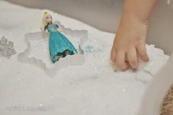 Frozen Ice Sand- glorious, icy cold & sparkly white sand that you can make at home {Inspired by the movie Frozen}