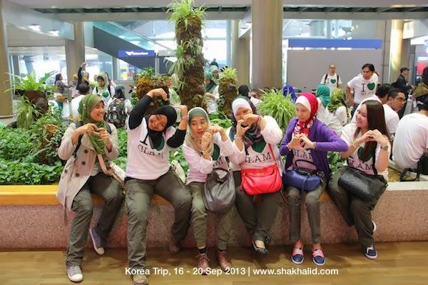 premium beautiful saying good bye to Malaysia