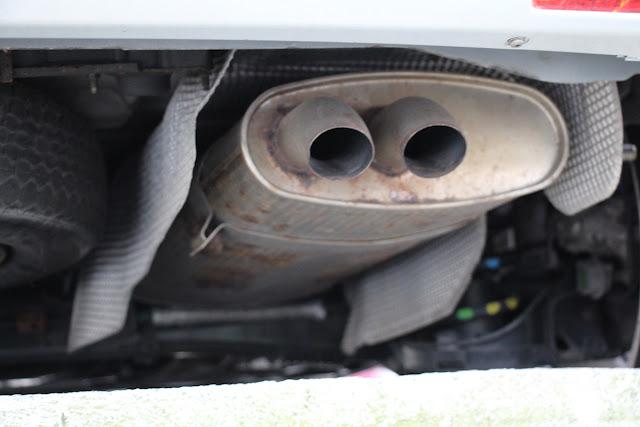 Tubo de escape de un vehículo Citroen