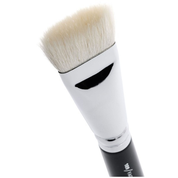 http://www.bekamakeup.com/es/product/zoeva-brocha-para-polvos-109-face-paint