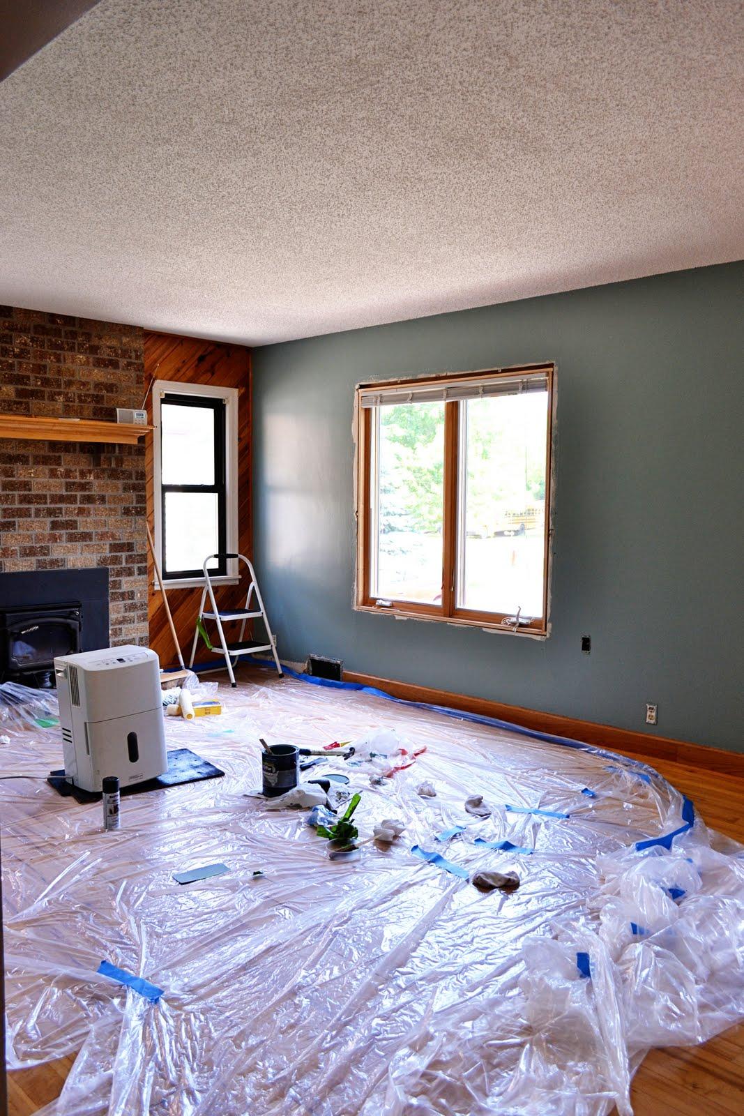 http://2.bp.blogspot.com/-MzVVHpXefGg/TmDQRceNihI/AAAAAAAAAqk/1YBsmn6W_O8/s1600/10+use+rollers+to+paintE.jpg