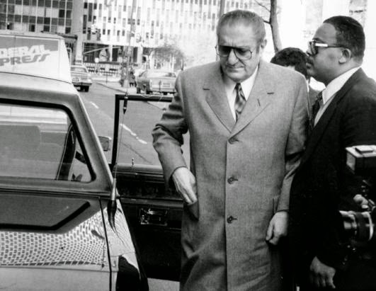 paul castellano and the organized group mafia - organized crime was composed of numerous smaller groups - each group was of an indeterminate size and operated autonomous of the others rather than a boss at the top of the organization, there are numerous bosses who provide information, rather than orders.