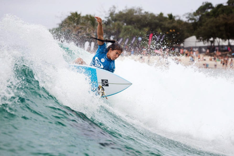 12 Roxy Pro Gold Coast 2015 Silvana Lima Foto WSL Kelly Cestari