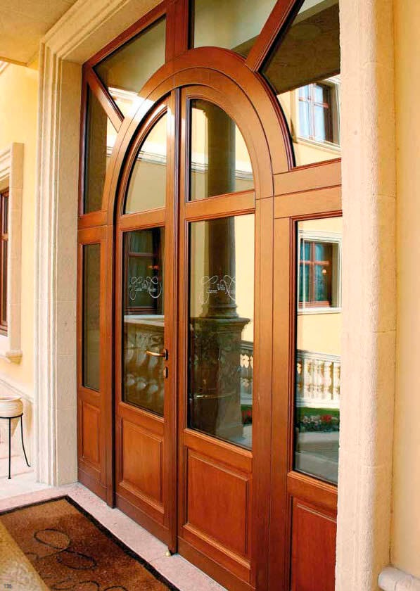 Puerta para interiores puerta corredera de vidrio para for Estilos de puertas de madera