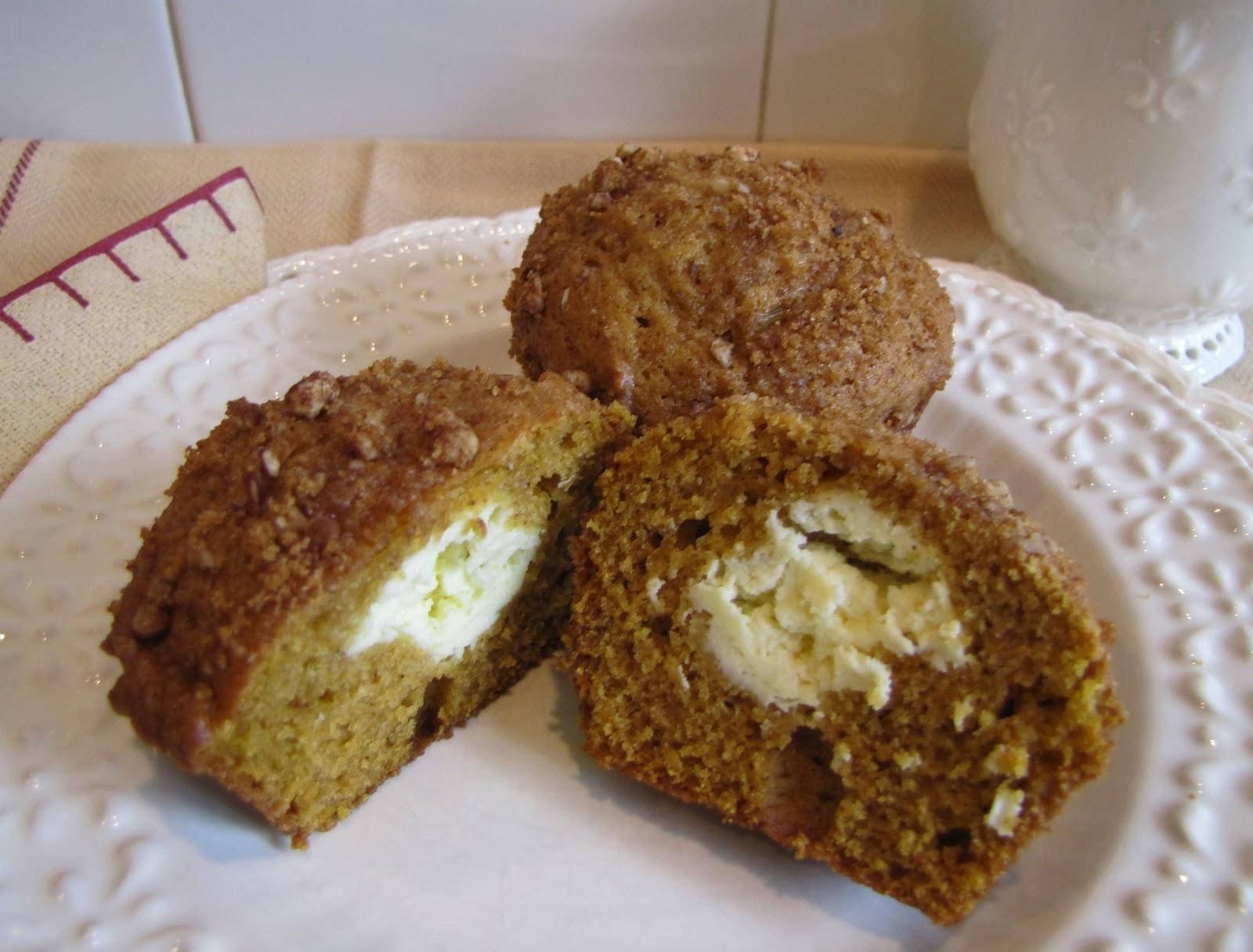 Mennonite Girls Can Cook: Pumpkin Cream Cheese Muffins