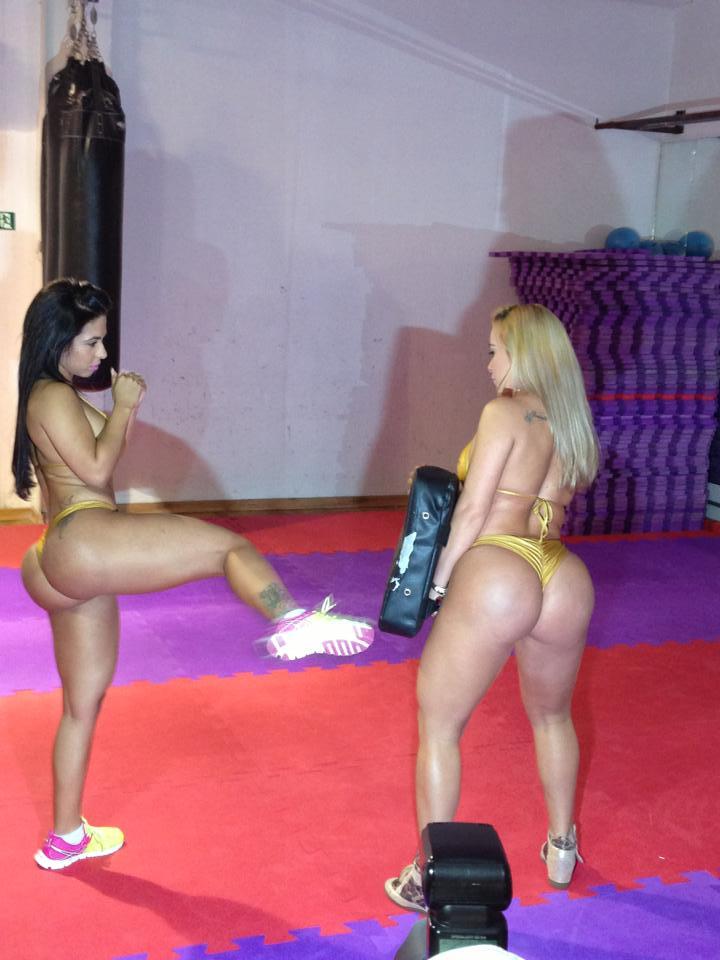 Miss Bumbum Ceará mostra que é boa de briga