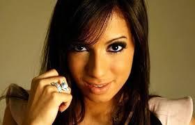 Anitta lança clipe no Fantástico