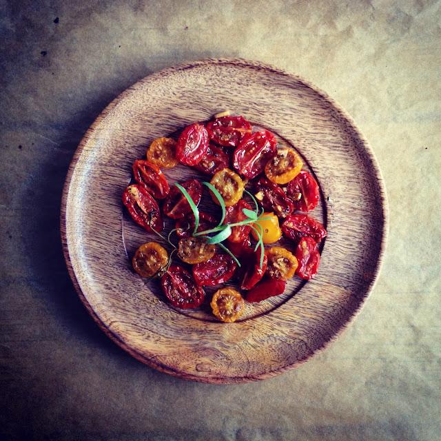 Langtidsbagte semidried tomater - Mit livs kogebog