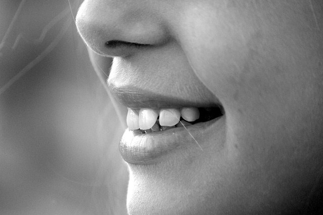 Cara Membersihkan Karang Gigi Secara Alami Mudah Dan Murah