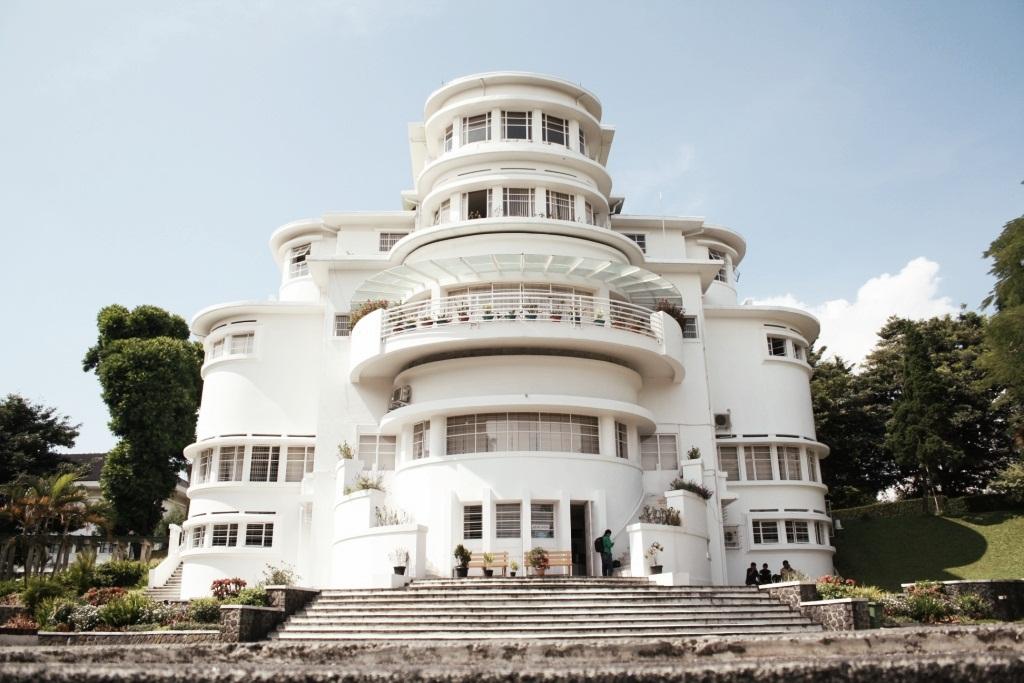 Mengenal Gedung UPI - ISOLA