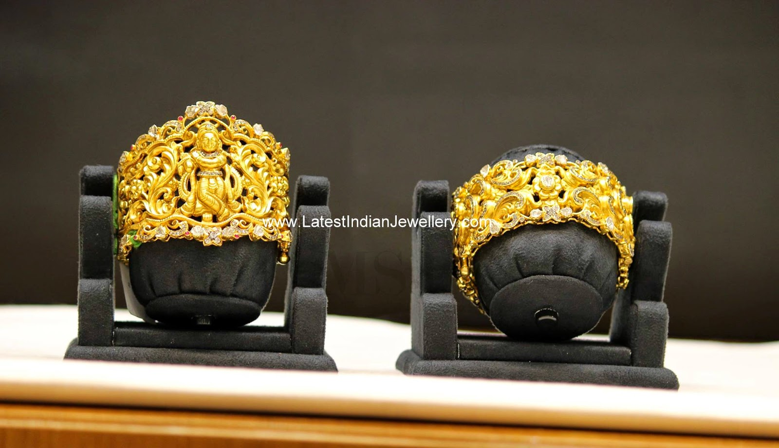 Beautifully Crafted Gold Kadas
