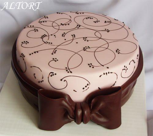 Фото красивые узоры на торте
