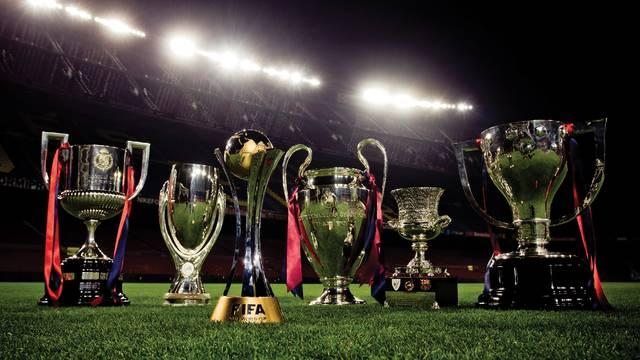 Piala Gelar Juara Barcelona
