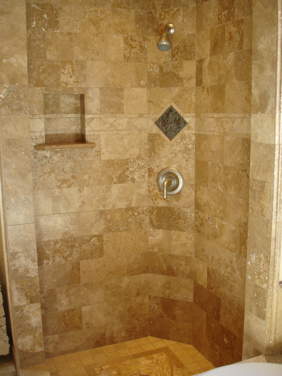 Bathroom idea shower tile bathroom shower bathroom 2 bp blogspot com -  Design Of Nifty Bathroom Shower Bathroom Tile Patterns