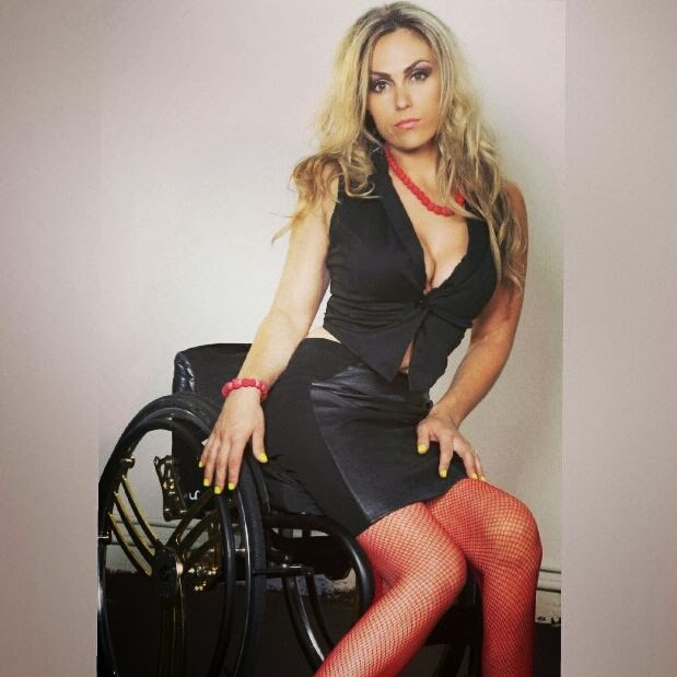 cadeirante linda