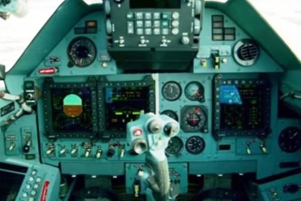 Sistem avionik pesawat tempur