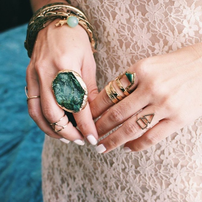 how to wear multiple pieces of jewelry at once,bohemian style