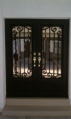 Maquinados y paileria mapaza for Puertas y ventanas de hierro antiguas