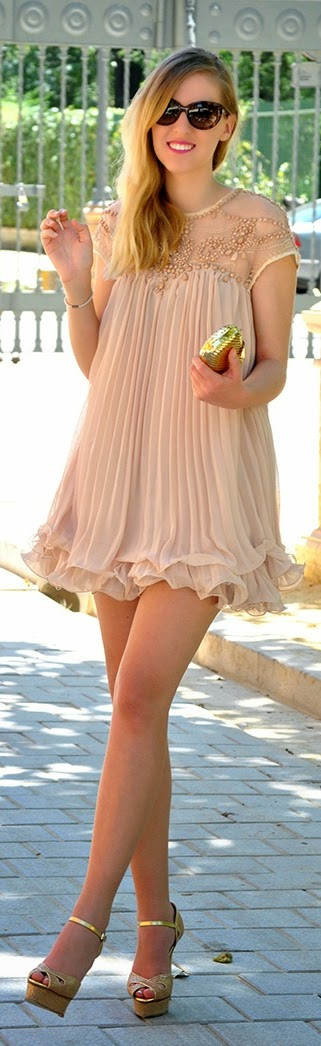 Little Embellished Pleated Dress with Heels | Chic Street Outfits
