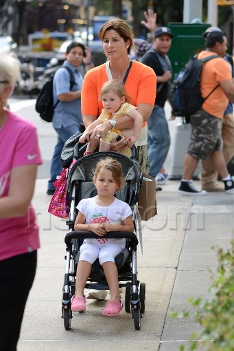 RANDOM THOUGHTS OF A LURKER: Mirka Federer & twins in NYC