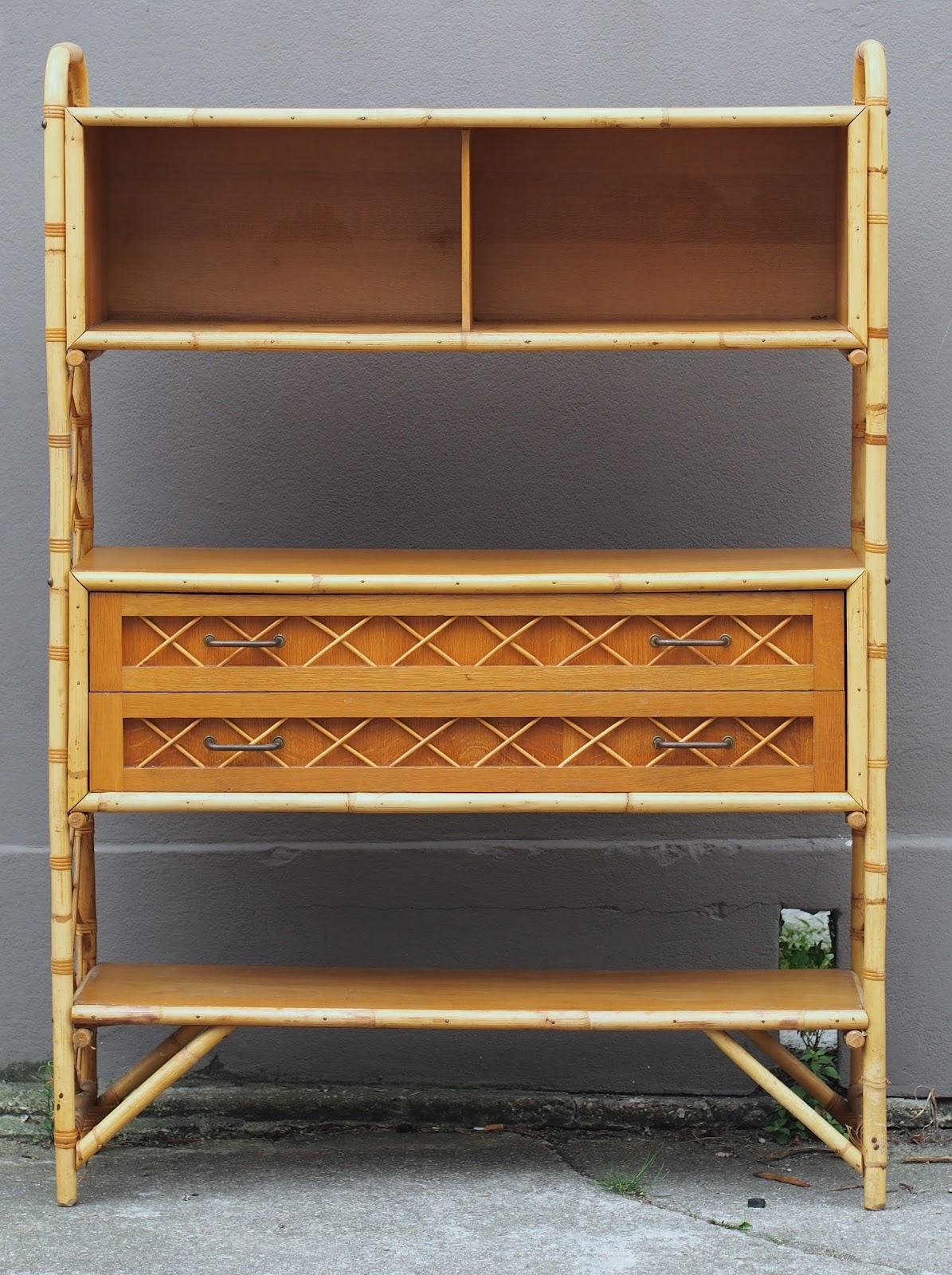 biblioth que en rotin vendue g n ration vintage. Black Bedroom Furniture Sets. Home Design Ideas