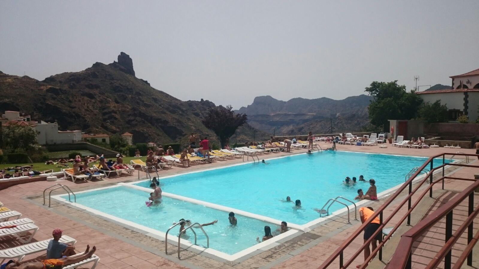 la piscina municipal de tejeda un lugar