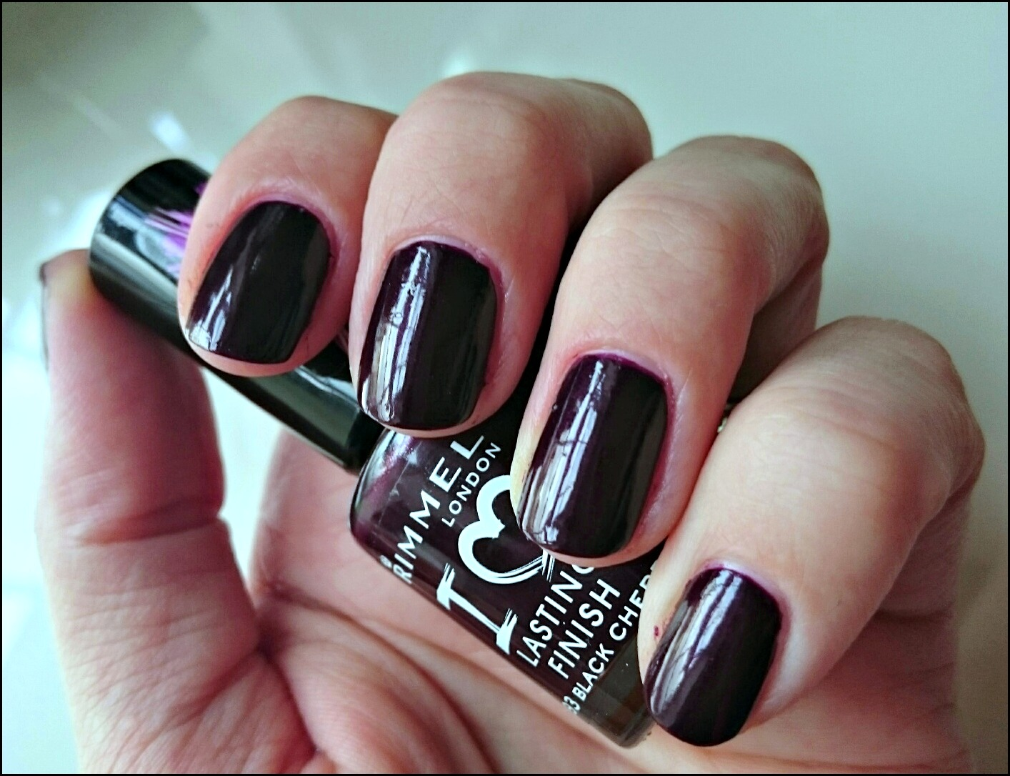 Rimmel lasting Finish Black cherry