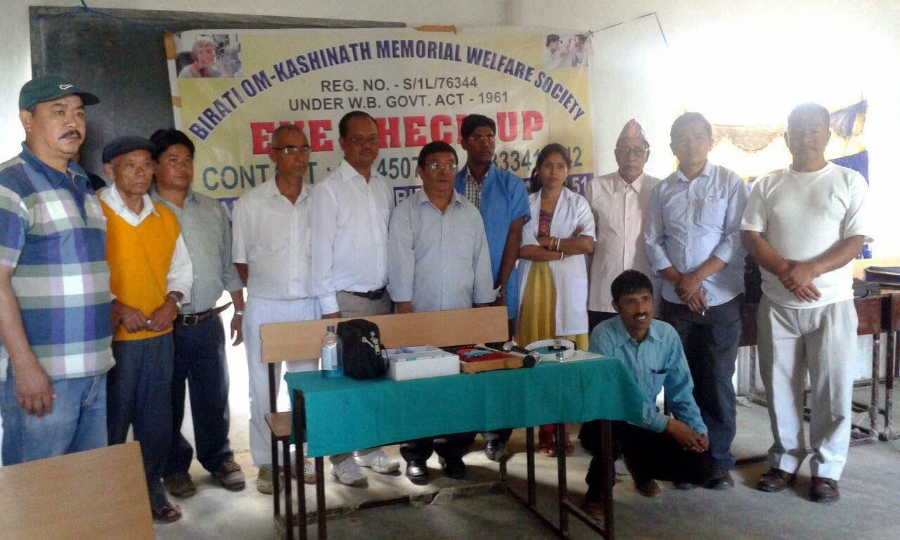 Free Eye Checkup camp in Agamsingh giri junior high school mungpoo
