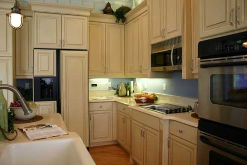 Pics Of Small Kitchens