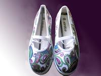 sepatu lukis ornamen,sepatu lukis cewek,sepatu,lukis,sepatu lukis batik,sepatu lukis cewe