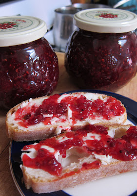 66 Square Feet (The Food): Red currant jam