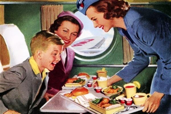 Makan dalam penerbangan pesawat. ZonaAero