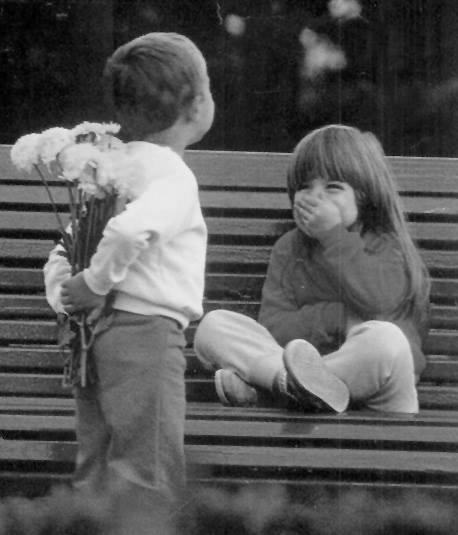 la chica del bcp, detalles de aniversario, arreglo floral, A las mujeres se nos enamora con detalles, no con dudas.