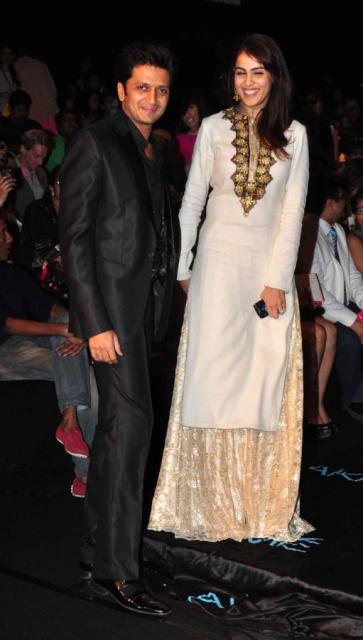 Ritesh & Genelia at LFW Summer Resort (Photos)