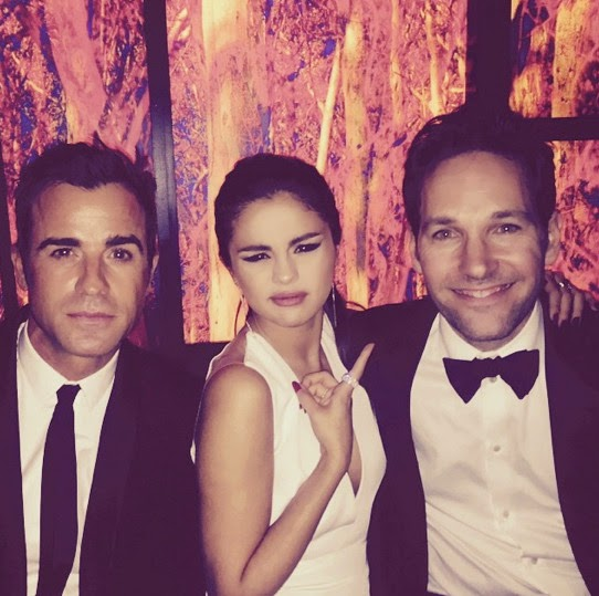 Selena Gomez enjoyed time with Paul rudd and Justin Theroux at the Golden Globes.