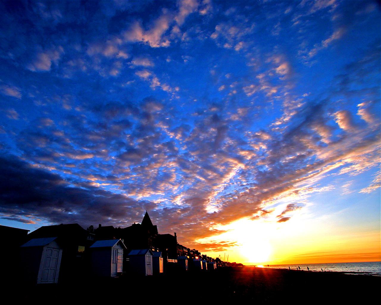 http://2.bp.blogspot.com/-N1p4qd8dvAw/Tbys4dPmesI/AAAAAAAACbs/sZOXFlI06ew/s1600/landscape1280x1024.jpg
