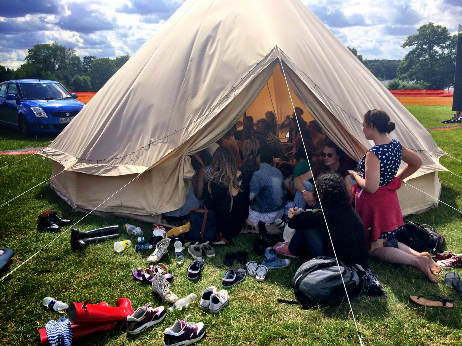 Ceara McEvoy's vlogging tipi session - Blogstock 2014