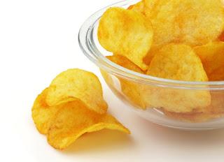 Chipsy - jeden z największych wrogów zdrowia i sylwetki.