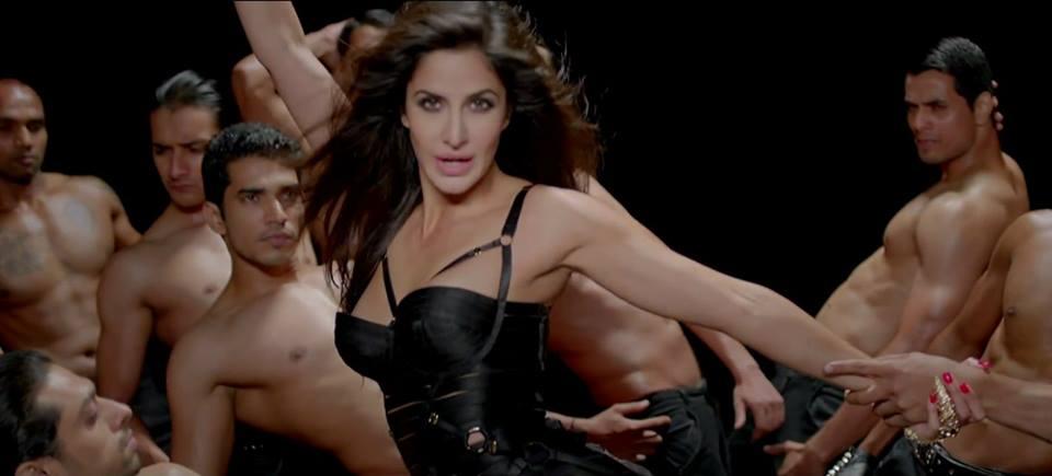 Katrina Kaif hot in black dress in dhoom 3 movie