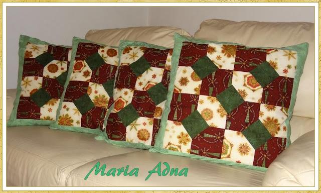 Almofadas em patchwork, Patchwork, Almofadas 3D, Maria Adna Ateliê, Almofadas publicadas em revista, Maria Adna,