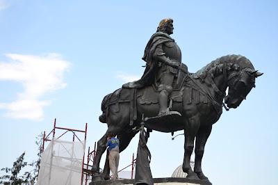 Fadrusz János, Kolozsvár, Mátyás király, Mátyás-szoborcsoport, műemlékgyalázás