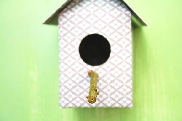 DIY Papp-Vogelhaus