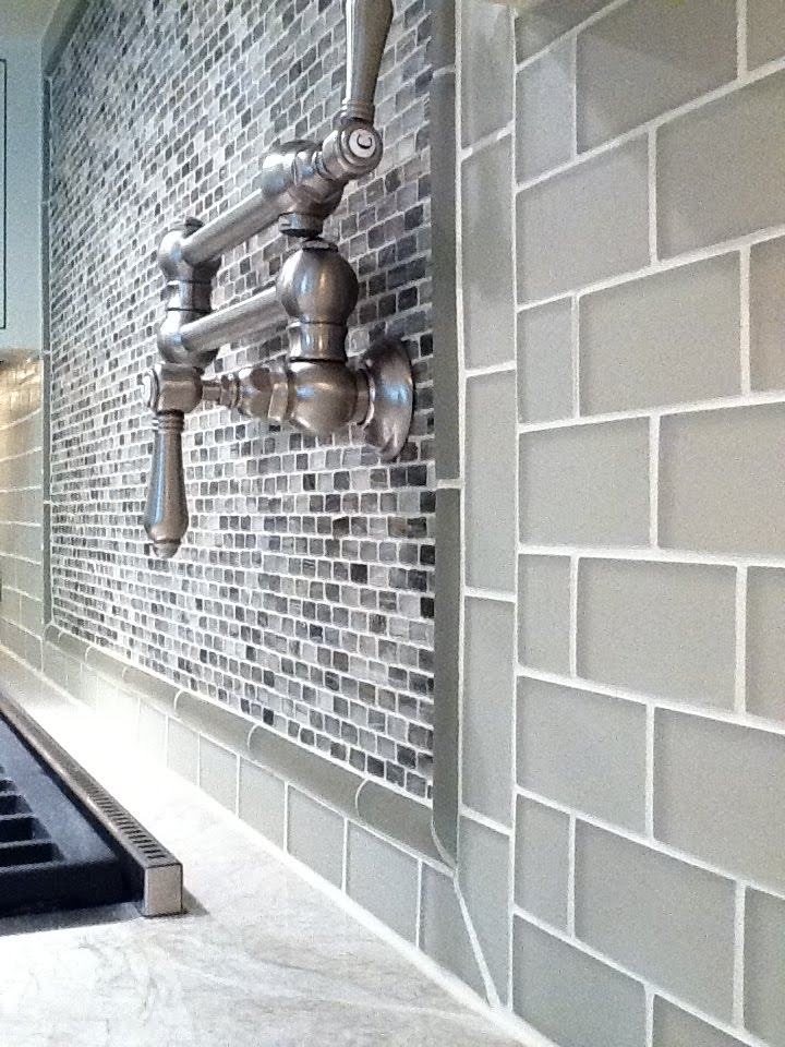 tile is a 2x4 frosted glass on mesh transitioned with a frosted glass