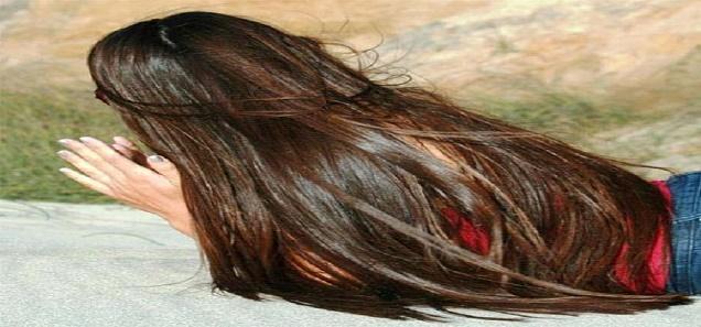 وصفه سهلة جدا ( لا تكلف أكثر من 1 دولار )  لتقويه الشعر و زياده لمعانه و منع تساقطه