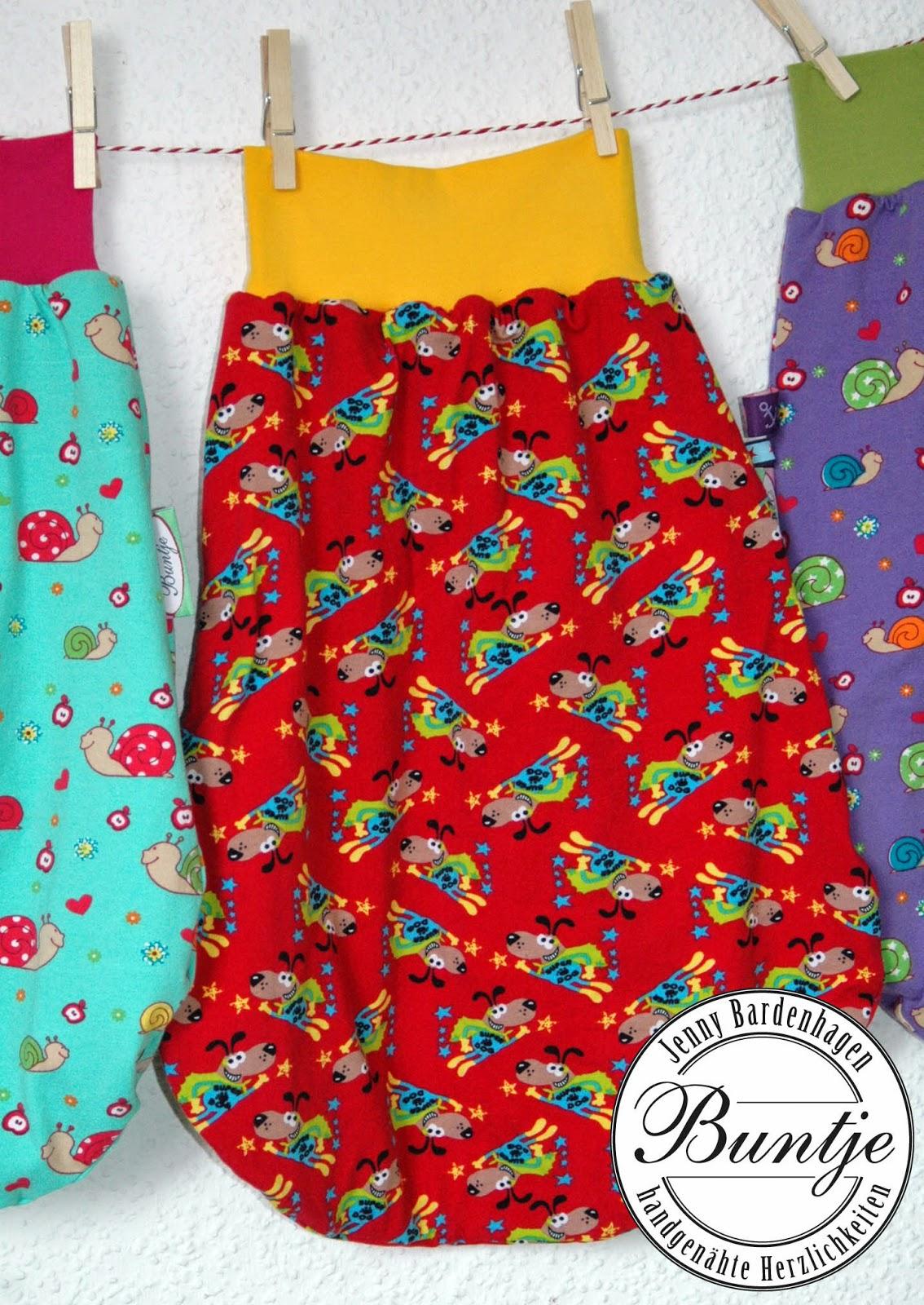 Pucksack Kuschelsack Strampelsack Baby Geschenk Geburt Taufe Baumwolle gefüttert Farbenmix Jersey handmade nähen Buntje individuell Junge Mädchen rot gelb Hund Superheld Tiere