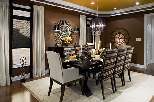 Cadeiras-diferentes-na-sala-de-jantar-2