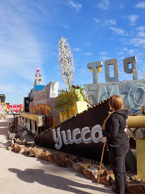 A Guide the Neon Museum Explains the Yucca Sign